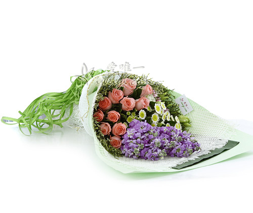 bouquet of pink roses and pink carnations
